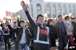Demokratiya shamoli bizga ham yetib kelar - Tojikistondan reportaj