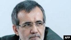 Deputat İran prezidentinin impiçmentinin qüvvədə qaldığını bildirib