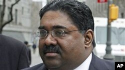 Galleon Group founder Raj Rajaratnam, right, arrives at federal court with his attorney, in New York (File Photo - April 4, 2011).