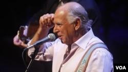 El cantante Jimmy Buffett fue dado de alta del hospital St. Vincent de Sydney y se está recuperando.