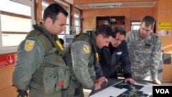 El portavoz del gobierno, Andrés Chadwick, confirmó un día antes la identificación de los restos de Joaquín Arnolds.