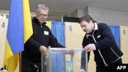 Спостерігачі очікують конфліктів у день виборів