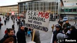 Căng thẳng hiện tăng cao tại thành phố Cologne, Đức, sau khi hơn 500 phụ nữ nộp đơn tố cáo các vụ tấn công.