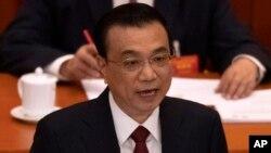 리쿼창 중국 총리가 5일 베이징 인민대회당에서 열린 제13차 전국인민대표대회(전인대) 2차 연례회의에서 정부 업무보고를 하고 있다.