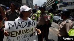 Các cuộc biểu tình chống chính phủ ở Venezuela không thuyên giảm và giờ đã bước sang tháng thứ hai