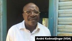Ngartoidé Blaise, secrétaire général du Syndicat des enseignants du Tchad pour la commune de N'Djamena, le 2 octobre 2017. (VOA/André Kodmadjingar)