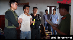 Công an bắt giam anh Trịnh Bá Tư hôm 24-06-2020. Chụp từ VTC.