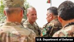 Brigjen AS Jeffrey Smiley (tengah/ foto: dok).