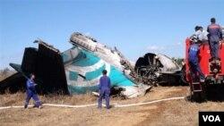 """Accident d'avion , photo datant du 25 décembre 2012: """"En Birmanie, les accidents dans les transports sont fréquents""""."""