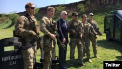 U.S. Senator John McCain poses for a picture with U.S. Green Berets, part on a Joint Combined Exchange Training with Serbia's antiterrorism unit in Belgrade, Serbia, April 10, 2017. (Source - Twitter @SenJohnMcCain)