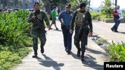 Les membres de la police nationale des Philippines ont trouvé un explosif près de l'ambassade américaine de Manille, Philippines, le 28 novembre 2016.