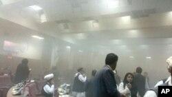 Članovi avganistanskog parlamenta su tokom napada bežali u panici.