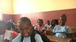 """""""Escola legal é escola limpa"""" promove ambiente saudável em São Tomé e Príncipe - 1:50"""