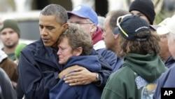 """Prezident Obama """"Sendi"""" dovulidan qaqshagan Nyu-Jersi shtatida, 31-oktabr, 2012-yil."""
