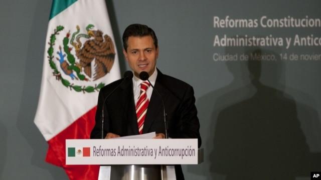 Mexico's President-elect Enrique Pena Nieto delivers a speech during an event in Mexico City, November 14, 2012.