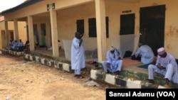 Wani ginin makarantar firamari ne wurin kwanan maniyattan jihar Adamawa da suke jiran takardar biza zuwa Saudiya