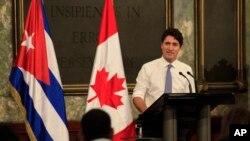 Thủ tướng Canada Justin Trudeau tại Cuba trong một chuyến thăm vào tháng 11/2016. Canada đã triệu hồi gia đình của nhân viên sứ quán ở thủ đô Cuba vì mắc những căn bệnh lạ trong khi tiếp tục điều tra nguyên nhân.