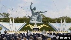 長崎紀念原爆70週年活動中放和平鴿