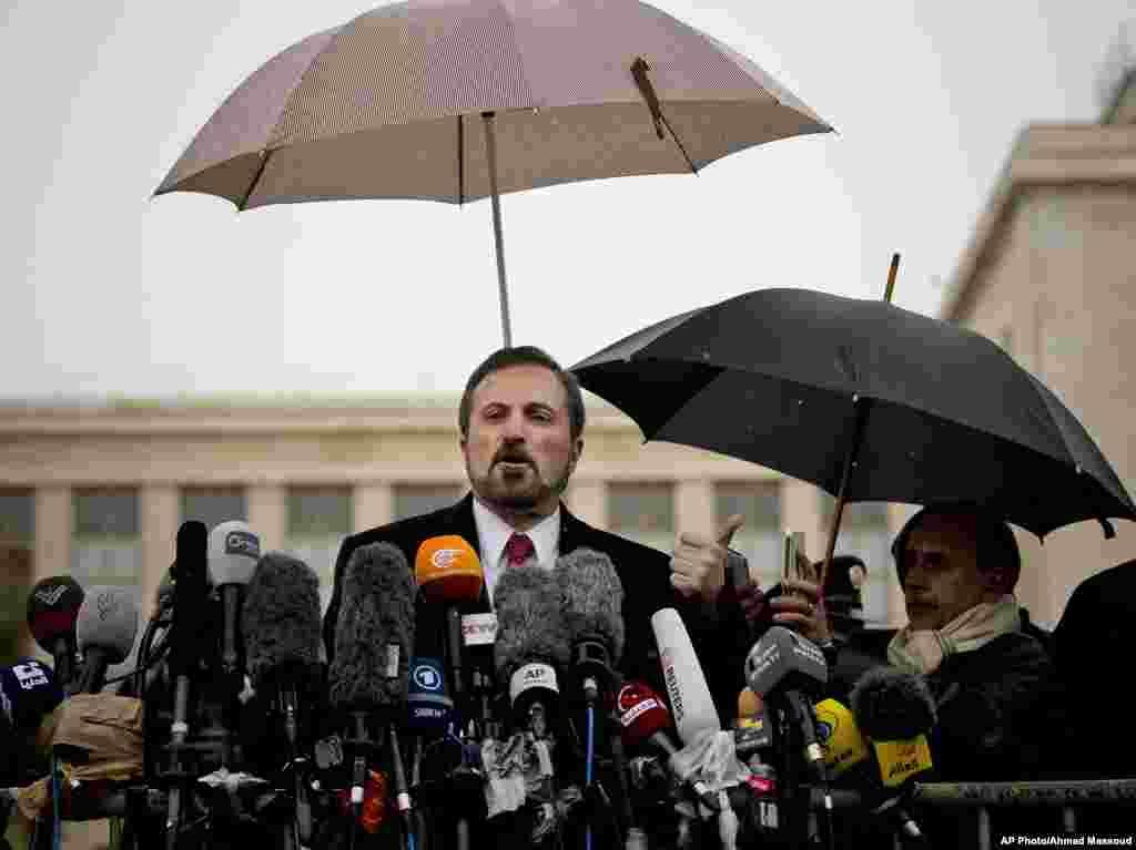 سخنگوی ائتلاف ملی سوریه پس از نشست روز دوشنبه در ژنو با خبرنگاران گفتگو کرد - دهم فوریه