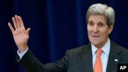 FILE - U.S. Secretary of State John Kerry, pictured at a State Department briefing in Washington, Nov. 18, 2015, says resolving political concerns related to the Syrian conflict would help facilitate the fight against Islamic State.