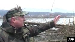 Në zonat e përmbytura të Nënshkodrës ushtria po punon për riparimin e argjinaturave