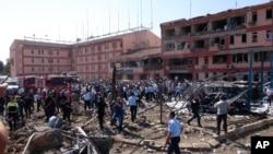 Một tòa nhà bị hư hại sau vụ đánh bom ở Elazig, ngày 18/8/2016.