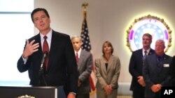 FBI အေမရိကန္ ဖယ္ဒရယ္ေထာက္လွမ္းေရး ညြန္ၾကားေရးမႈး James Comey။