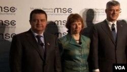 Ivica Dačić, Ketrin Ešton i Hašim Tači na Bezbednosnoj konferenciji u Minhenu, 2. februar, 2014.