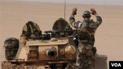 Pasukan Prancis di Kuwait. Inggris dan Prancis akan menggabungkan pasukan untuk menekan anggaran militer.