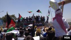 مظاهرات پیش از حملۀ انتحاری روز شنبه در جادۀ دهمزنگ
