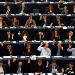 Senat Perancis akan melakukan pemungutan suara atas RUU Pensiun usulan Presiden Nicolas Sarkozy.