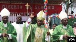 Bispo do Sumbe apela à informação isenta e séria - 1:11