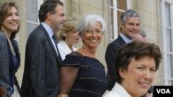El Fondo Monetario Internacional presentó a Christine Lagarde como su nueva directora.