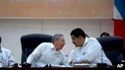 Nicolás Maduro ha evidenciado la influencia que tiene el gobierno de los Castro en su mandato.