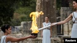 24일 그리스 올림피아에서 2018년 평창 동계 올림픽을 밝힐 성화가 채화되고 있다.
