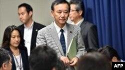 وزیر دادگستری ژاپن دو حکم اعدام را به خبرنگاران اعلام می کند. توکیو، ۲۹ اوت ۲۰۱۴