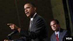 Presiden Obama tetap akan memimpin Amerika sampai 2012 meski partainya kalah dalam pemilu sela.