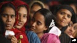 বাংলাদেশে নারী উত্যক্তকারী সন্ত্রাসীর কারণে আরেক কিশোরীর আত্মহত্যা