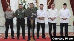 Presiden Joko Widodo memberikan keterangan menyikapi demonstrasi 4 November yang berakhir dengan kericuhan. (Foto: Biro Pers Kepresidenan)
