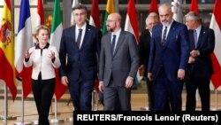Lideri Zapadnog Balkana sa najvišim funkcionerima Evropske unije u Briselu. 16. februara, 2020. (Foto: Reujters/Francois Lenoir)
