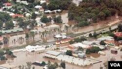 Negara bagian Queensland di Australia utara ini akan terus digenangi air selama berhari-hari.