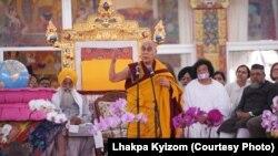 达赖喇嘛印度东部城市菩提迦耶主持佛教法会