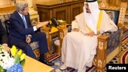 John Kerry da Sarkin Saudiya Salman bin Abdulaziz al-Saud