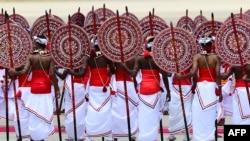 斯里兰卡以传统舞蹈欢迎中国国家主席习近平到访。(2014年9月16日)