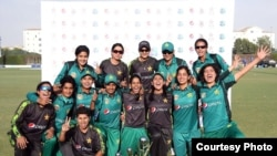 پاکستانی ویمنز کرکٹ ٹیم سیریز جیتنے کے بعد