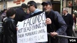 Cientos de personas se congregaron en Buenos Aires, la capital de Argentina, para despedir los restos de Facundo.