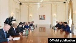 Prezident Əliyev Avropa Yenidənqurma və İnkişaf Bankının prezidenti Çakrabartini qəbul edib