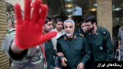 ایران با سپاه قدس زیر نظر قاسم سلیمانی در عراق و سوریه نقش دارد.