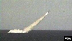 Cada uno de estos cohetes puede portar entre seis y 10 ojivas nucleares.
