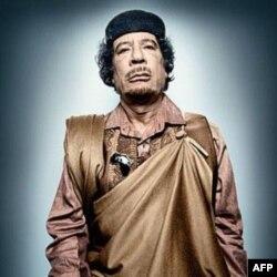 Muammar Qaddafiy hokimiyatga kelganida 27 yoshda edi. U Liviyani qariyb 42 yil boshqardi.